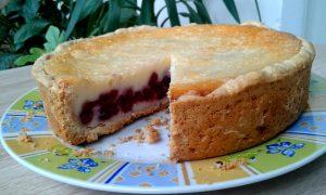 Цвєтаєвський пиріг із вишнею