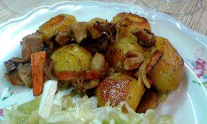 Картопля з грибами