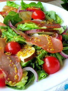 Салат із грушею і прошуто