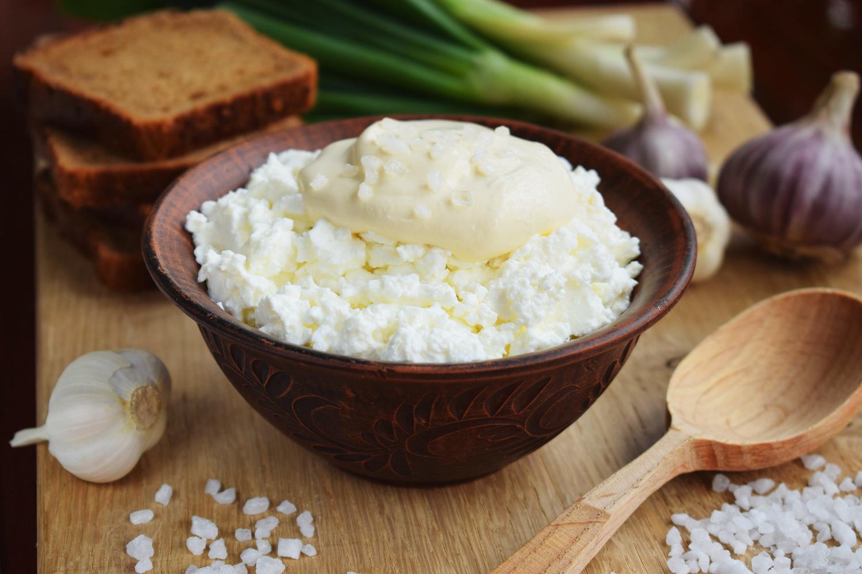 Сніданок із домашнього сиру по-селянськи